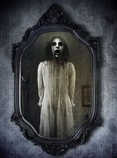 Legenda Bloody Marry, Hantu yang Bisa Dipanggil