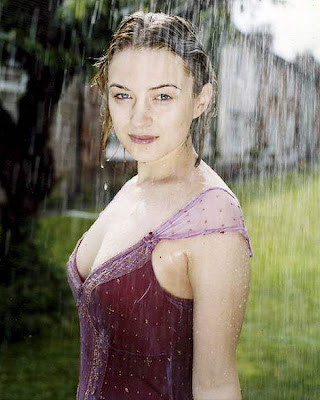 Sophia Myles Wet Photoshoots in Rain in Purple Top - MASALA PHOTOSHOOT