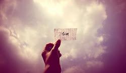 vive la vida que solo dura un rato :)