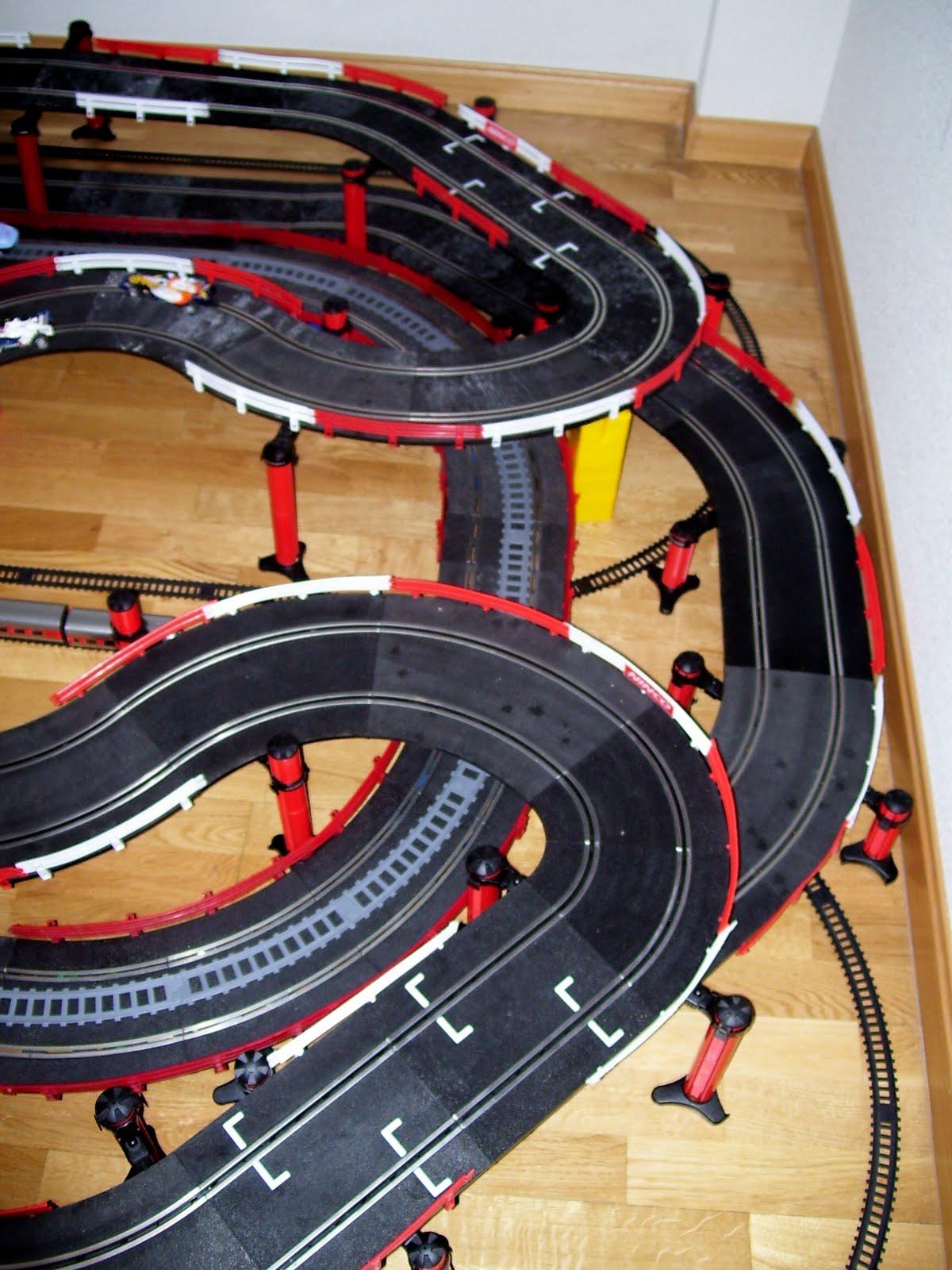 Circuito Z : Pequetrenes circuito de velocidad entre railes con