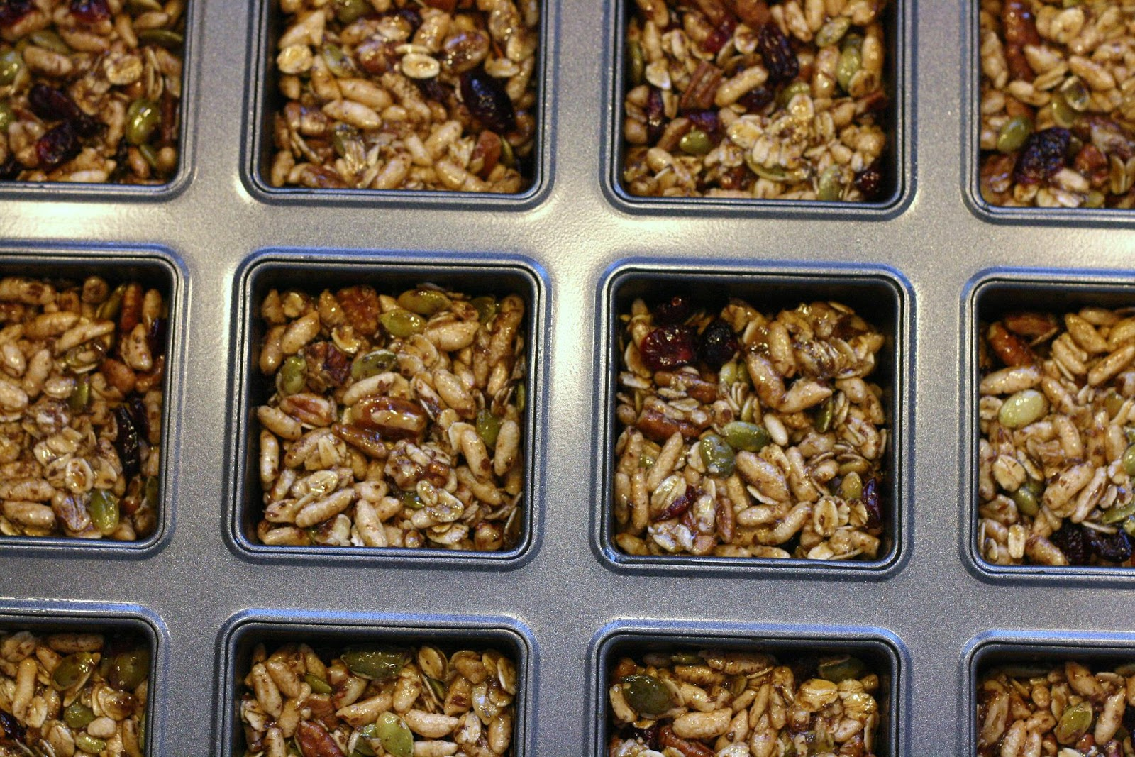 Laine's Recipe Box: Cranberry-Pumpkin Seed Energy Bars