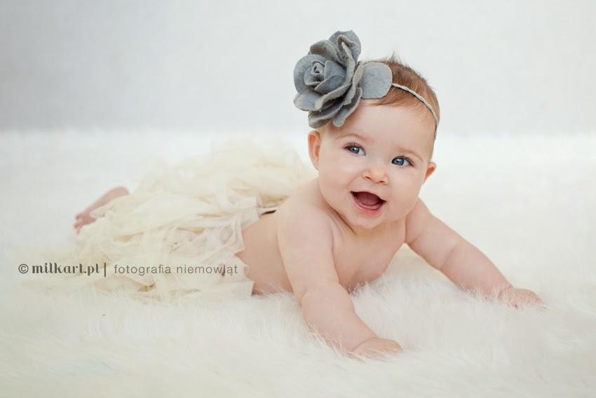 fotografia niemowlęca, zdjęcia niemowlaków, sesja zdjęciowa dziecka, fotograf dziecięcy, studio milkart w poznaniu