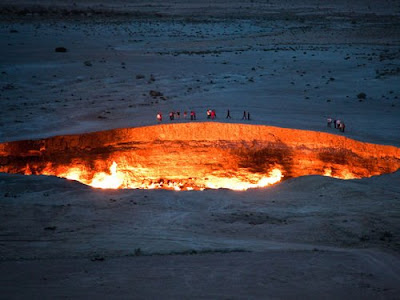 HELL'S DOOR: THE GIANT FIRE CRATER OF DARVAZ