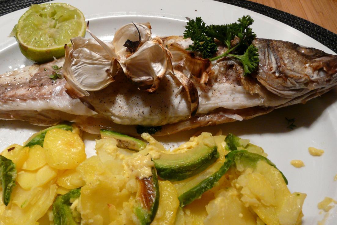 Kulinarische Welten zu Fisch- und Meeresfrucht: Wolfsbarsch auf ...