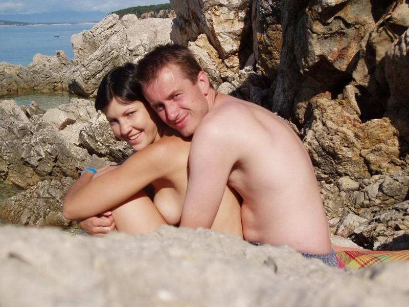 частное фото молодой пары на отдыхе