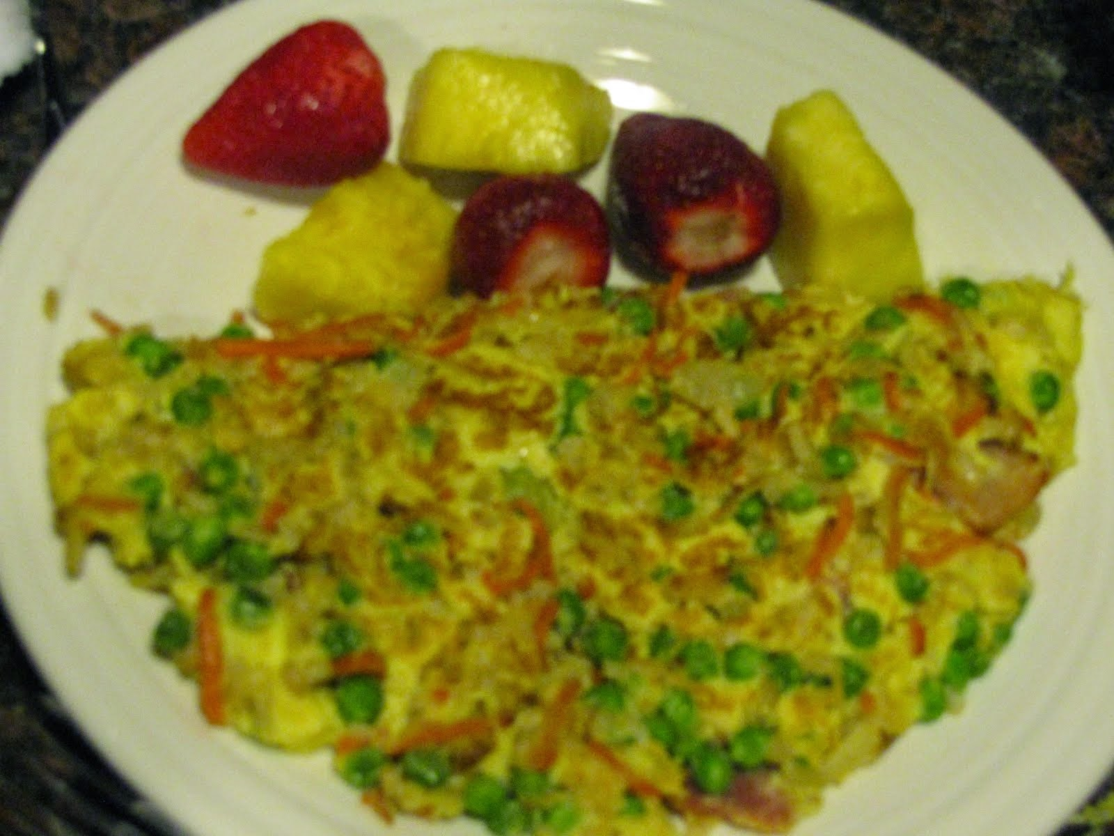 Omlet with Pineapple and Strawberries