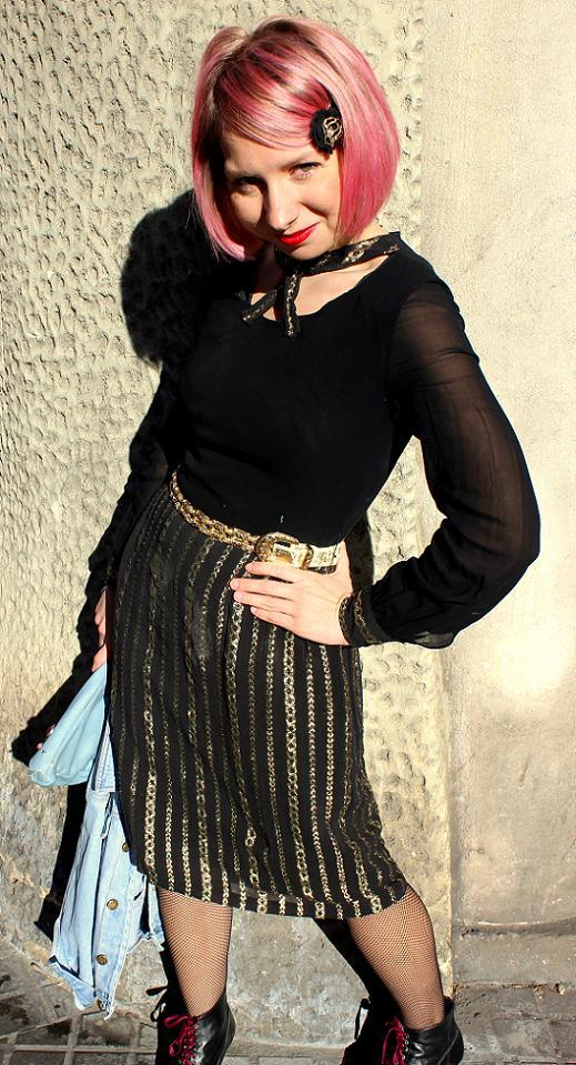 outfit post navideño conjunto navideño dorado y negro