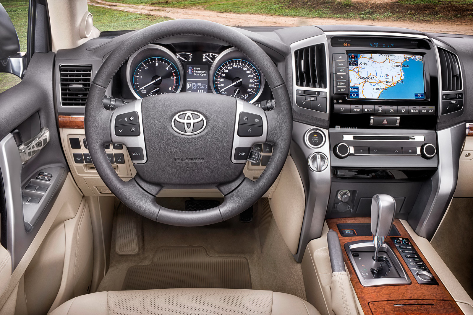 Wallpaper Car Toyota Fortuner Interior