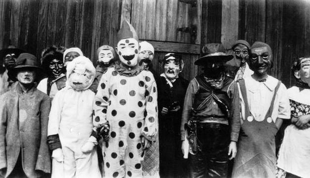 Vintage Everyday Creepy Halloween Costumes From Bewteen