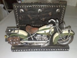 moto resina porta objetos MEDIDAS 20 CM X 11 CM X 13 CM