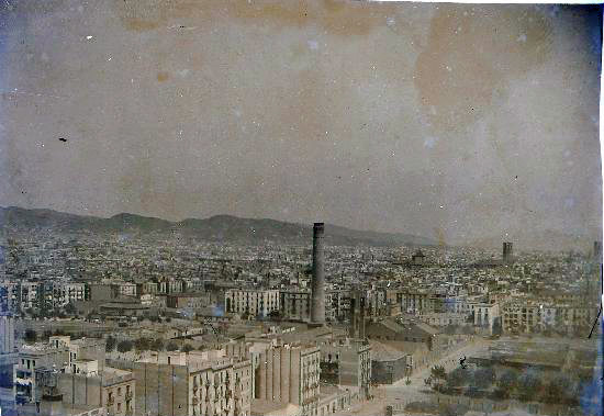 Groeten uit barcelona de stad der wonderen 5 en toen was er licht - Centraal geschorste schoorsteen ...
