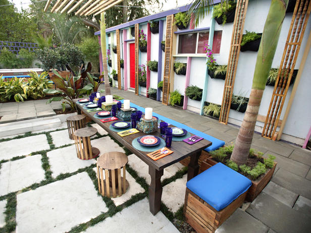 Interior Design: Table Settings for Outdoor Entertaining