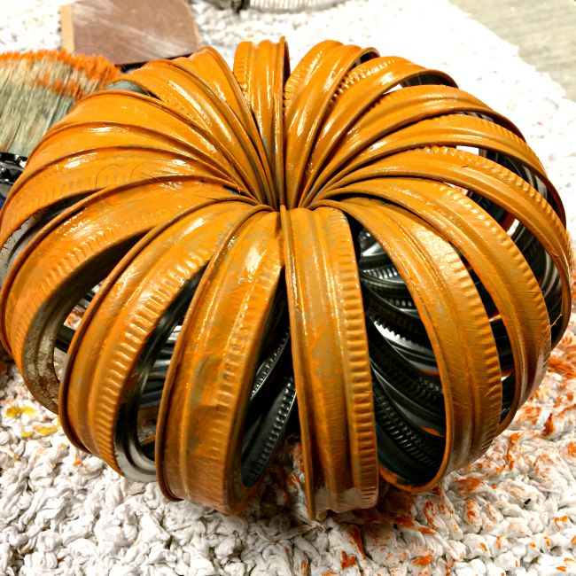 Mason Jar Lid Pumpkin www.homeroad.net