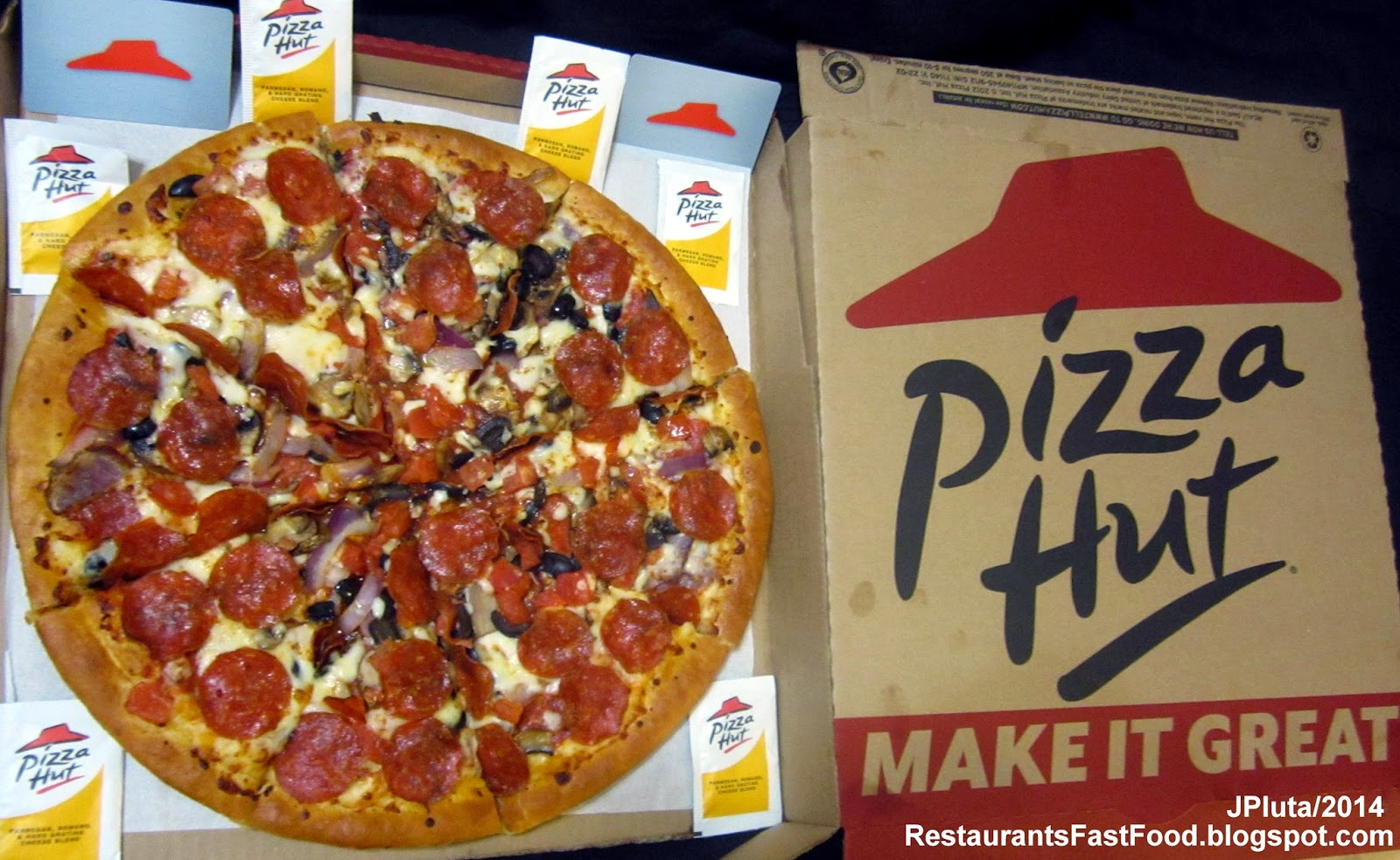 Pizza Hut Pepperoni Large 2 Lb 12 Oz With Added Onions Mushrooms Black Olives And Diced Tomato Restaurant Delivery