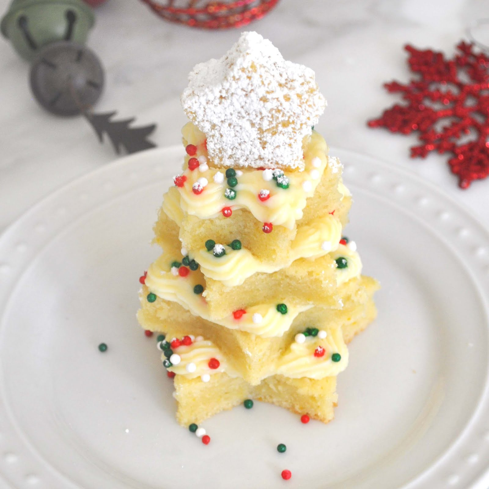 Cooking with Manuela Vanilla Christmas Tree Cakes with