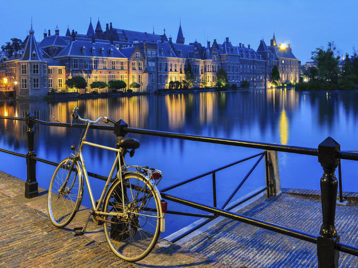 10 QUESTIONS ABOUT THE DUTCH AND THEIR BIKES
