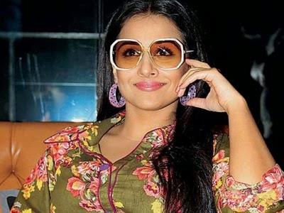 Vidhya balan cute smile hd nice wallpaper