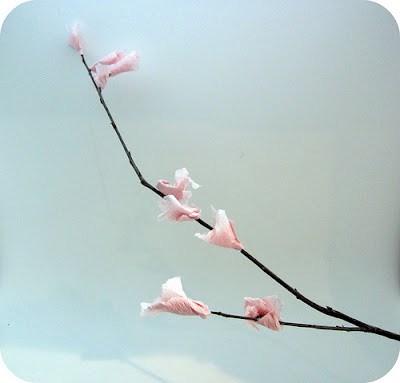 Easter and Spring Craft ideas: how to make cherry blossom branch from crepe paper