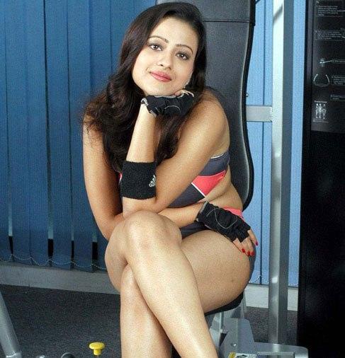 VERY VERY SEXY WALLPAPERS OF TELUGU ACTRESS MADALASA SHARMA navel show
