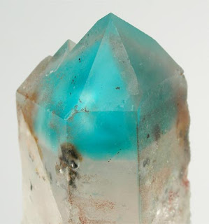 alocromatico cuarzo teñido por inclusion de ajoita - foro de minerales