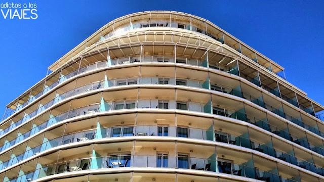 Fachada del Hotel Calípolis Sitges