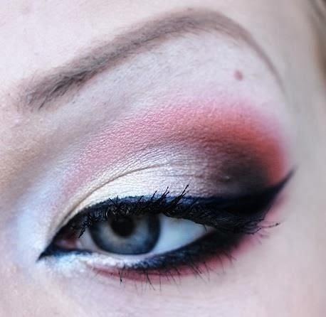 couleur fard à paupières et contour des yeux, modèle traçage eye liner, maquillage yeux bleu 2014