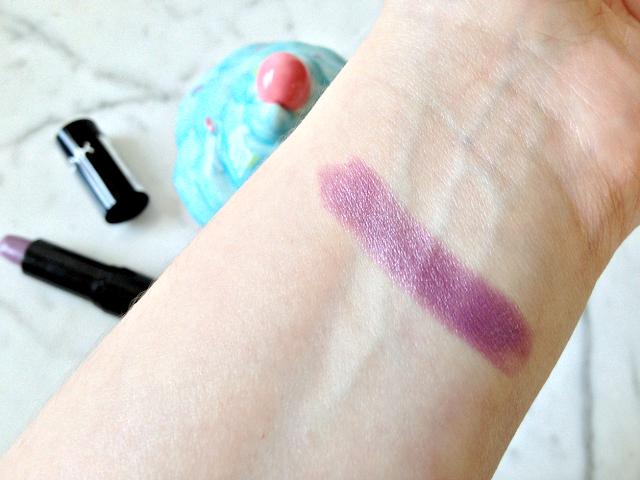 nyx-round-lipstick-castle-swatch