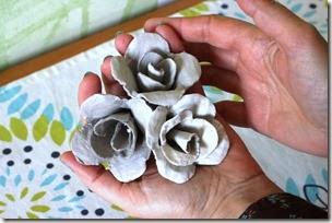 กระดาษ ใช้แล้ว ถาดใส่ไข่เก่า กุหลาบจากรังไข่ как розы из старой яйцо повторное лоток идея подарок Валентайн DIY смазливая розы