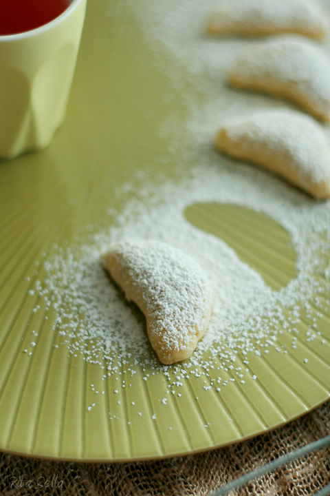 Morning Song: Almond Shortbread With Toasted Flour