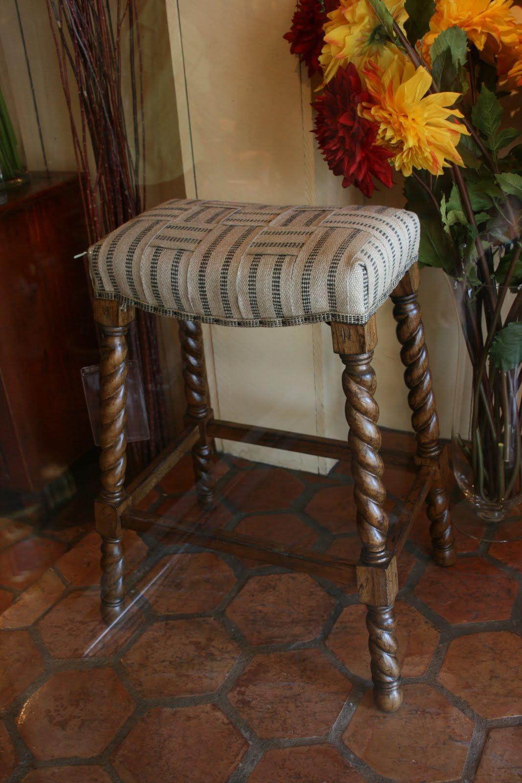 vignette design tuesday inspiration bar stools the good. Black Bedroom Furniture Sets. Home Design Ideas