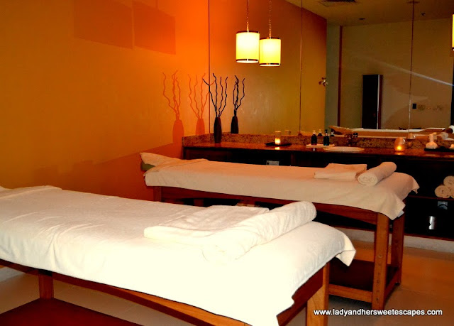 Massage Room for couples at The Cove Rotana