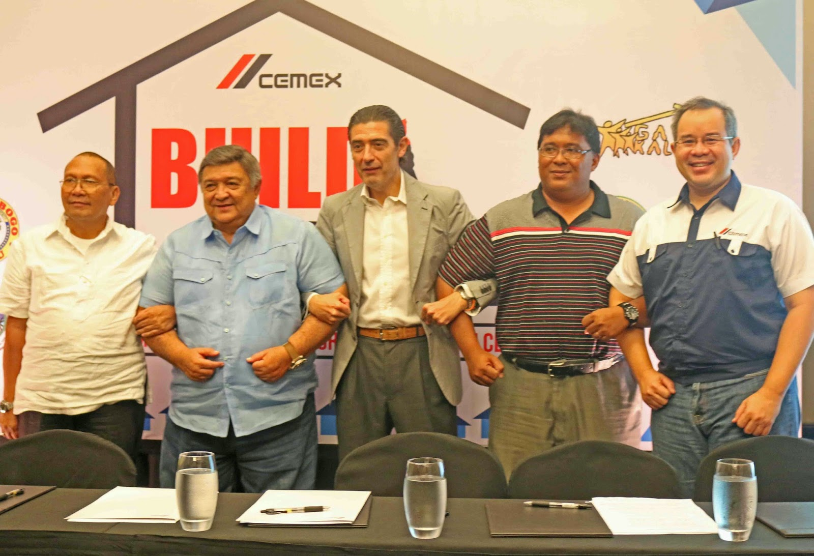 CEMEX Philippines Vows to Help Build Houses