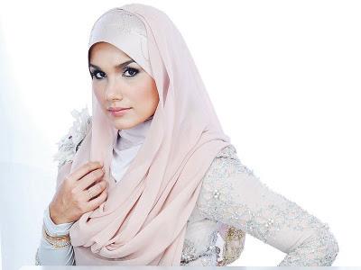Wardina Safiyyah (Pelakon/Pengacara)