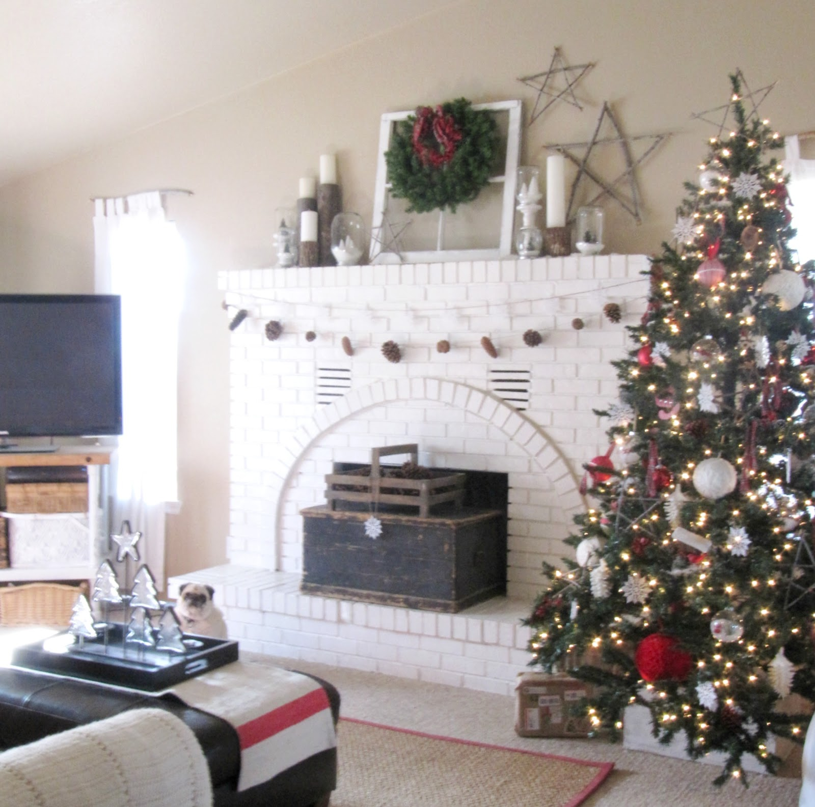 Red, White and Plaid Christmas Tree - The Wicker House