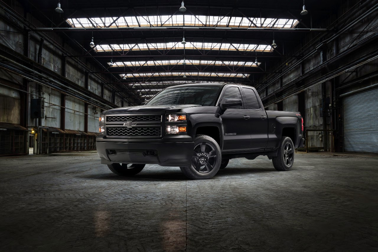 2015 Chevrolet Silverado Black Out Package