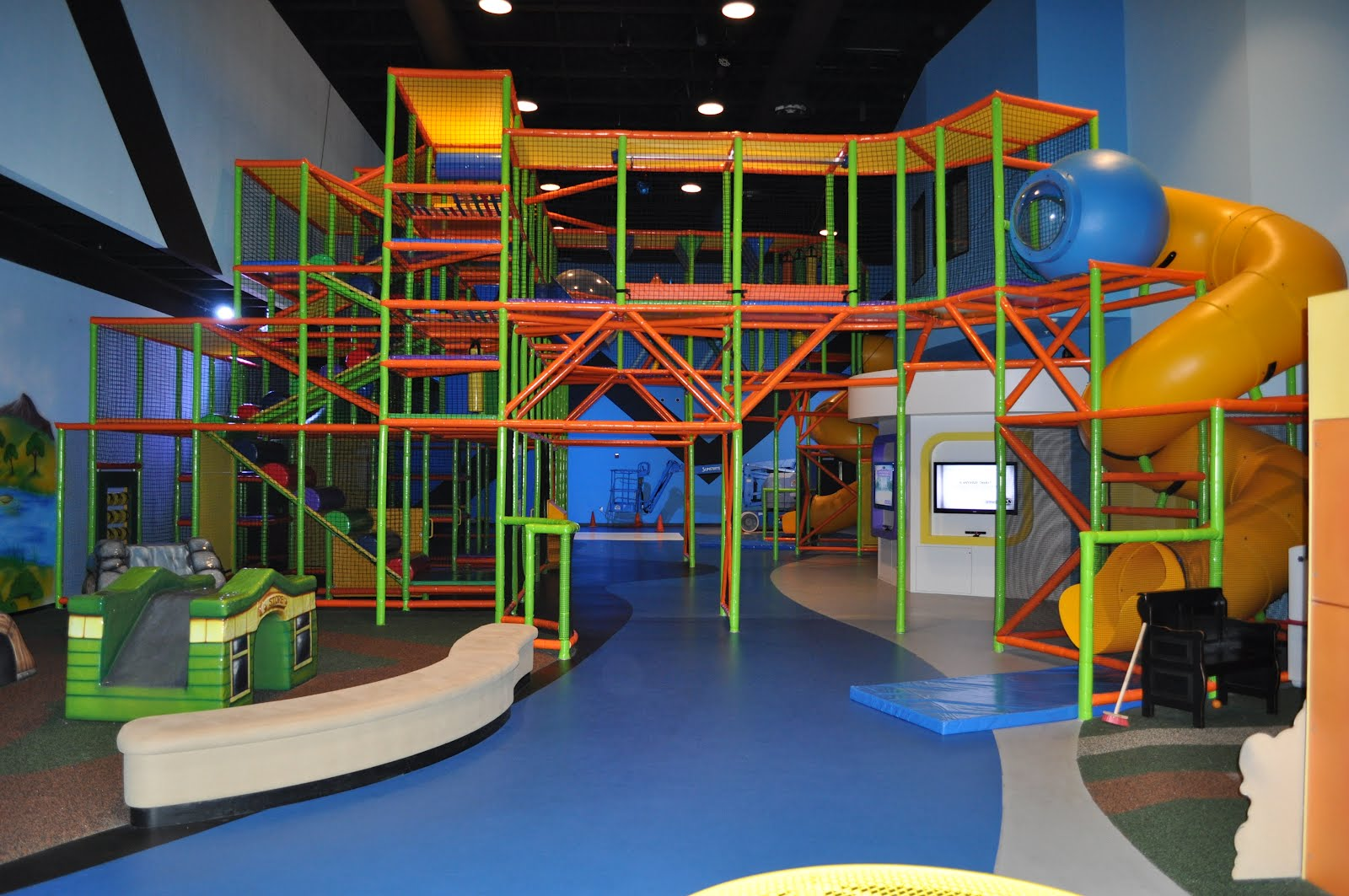 Covenant church indoor playground worlds of wow blog for Indoor playground design ideas