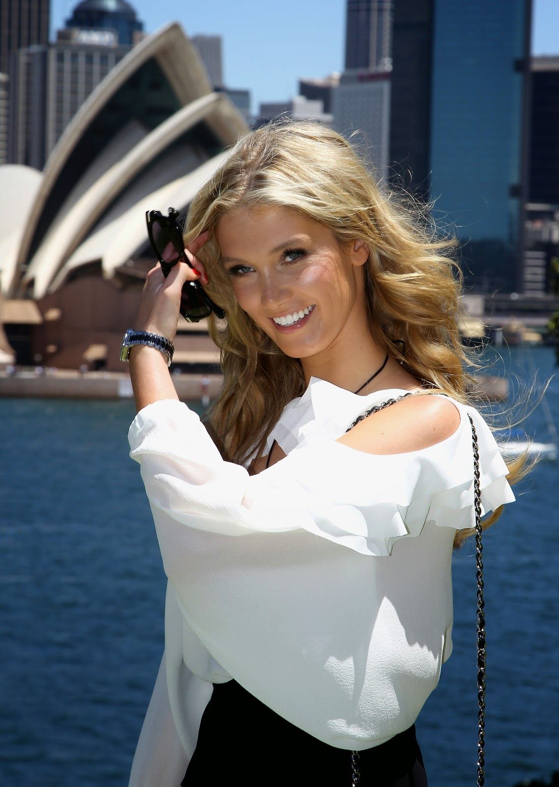 Delta Goodrem HD Pictures | HD Wallpapers of Delta Lea Goodrem