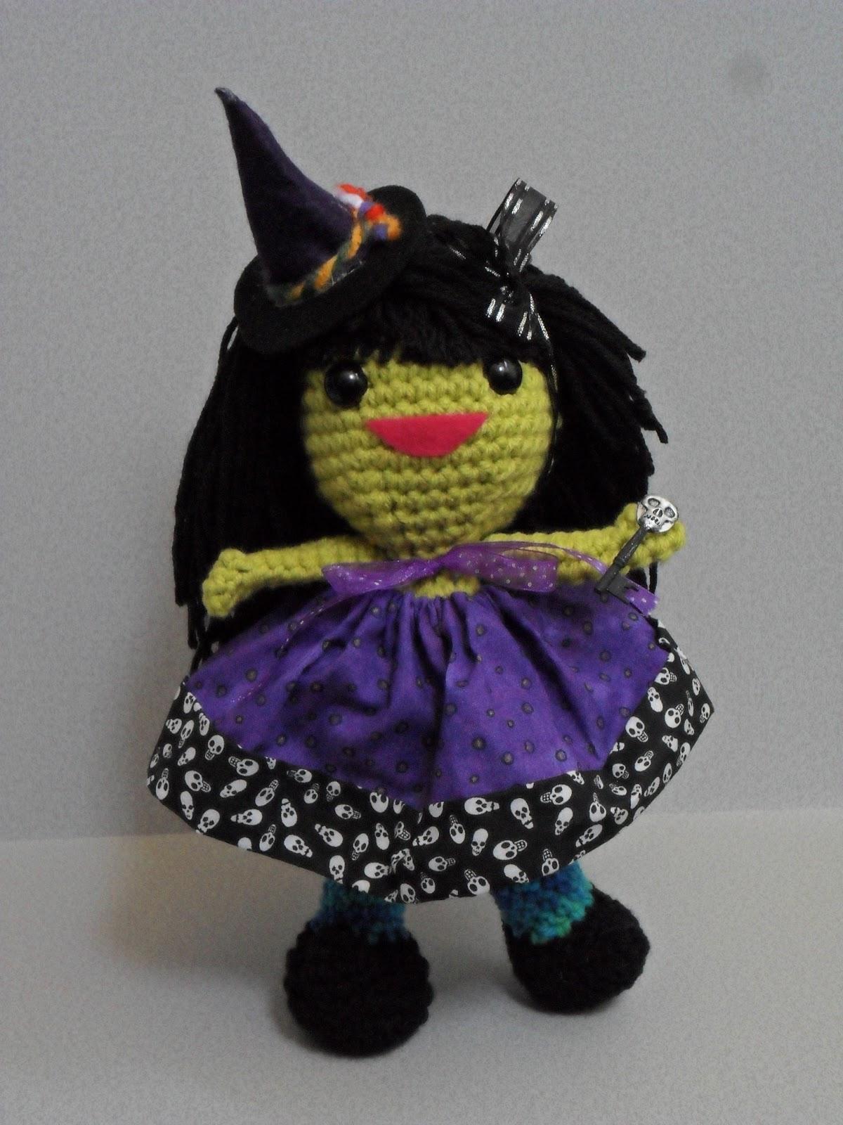PJ Crafts in Austin: Witch Chick Pattern