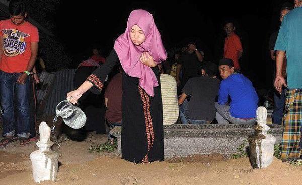 Kemalangan Maut: Jenazah Enam Sekeluarga Selamat Dikebumikan