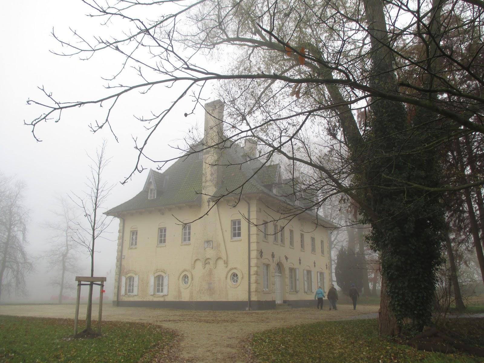 "landhuis ""Zonnedaele"" Passchendaele Memorial Park"