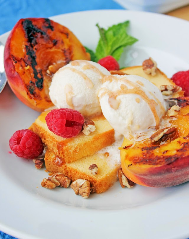 Delicious and simple grilled peach dessert| Recipe by chelsa-bea.com #MyPicknSave #shop
