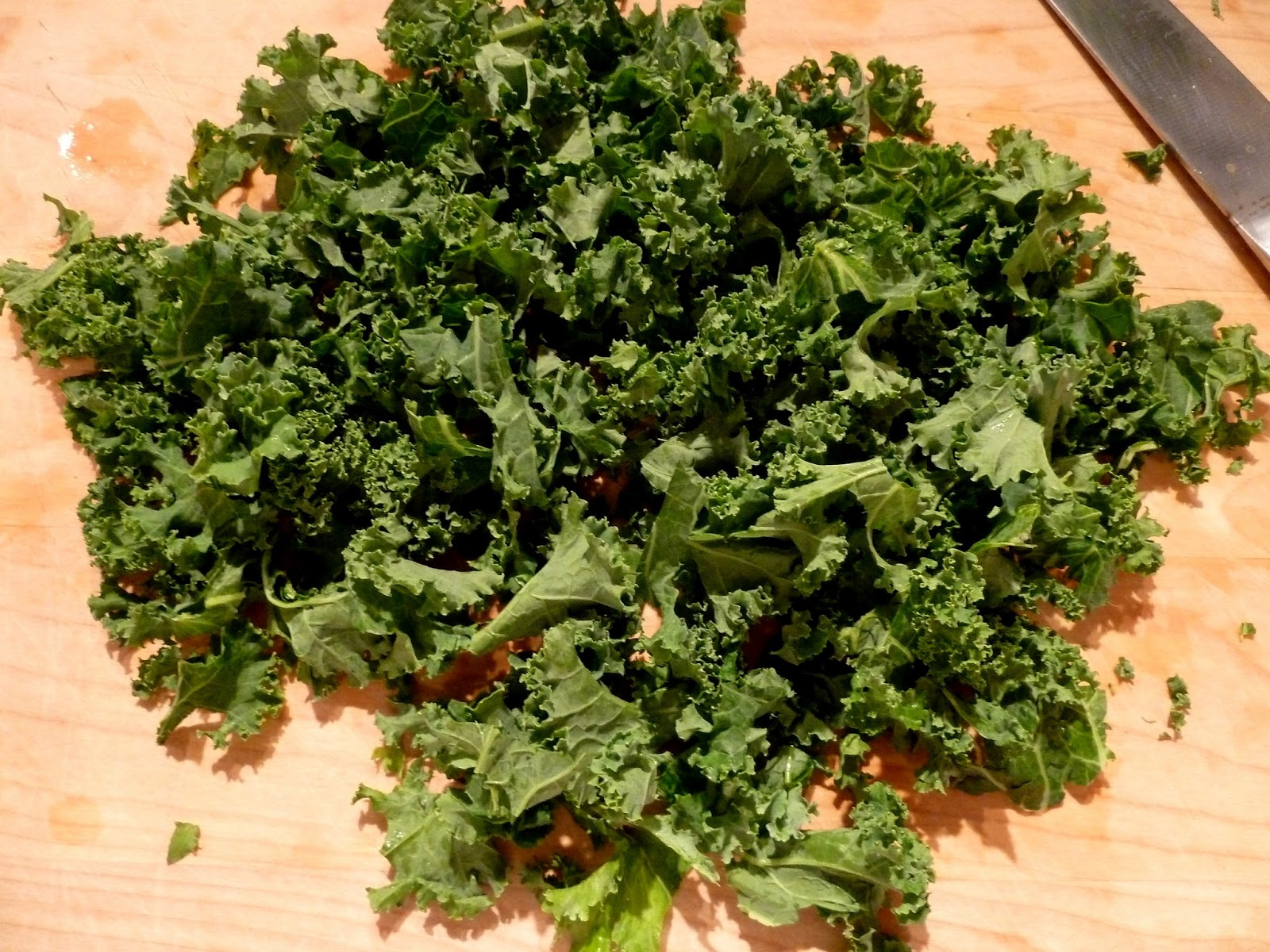 In addition to farro and kale, the salad contains cherry tomatoes ...