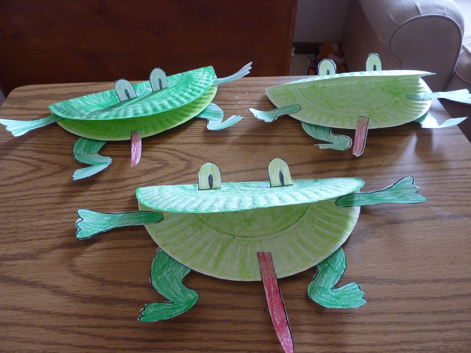 Paper plates puppet project easy arts and crafts ideas for Easy paper plate crafts