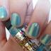 Unhas feitas com Ludurana Duochrome (cor: Green Gold)
