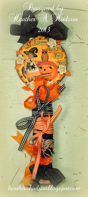 http://heatherahudson.blogspot.com/2013/10/vintage-halloween-ribbon-holder.html