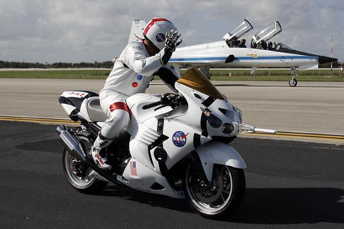 Kawasaki ZZR1400 NASA Tribute | kawasaki zzr1400 specifications | kawasaki zzr1400 top speed | kawasaki zzr1400 review