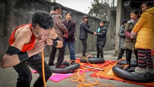 Manusia Paru-Paru Baja dari Cina