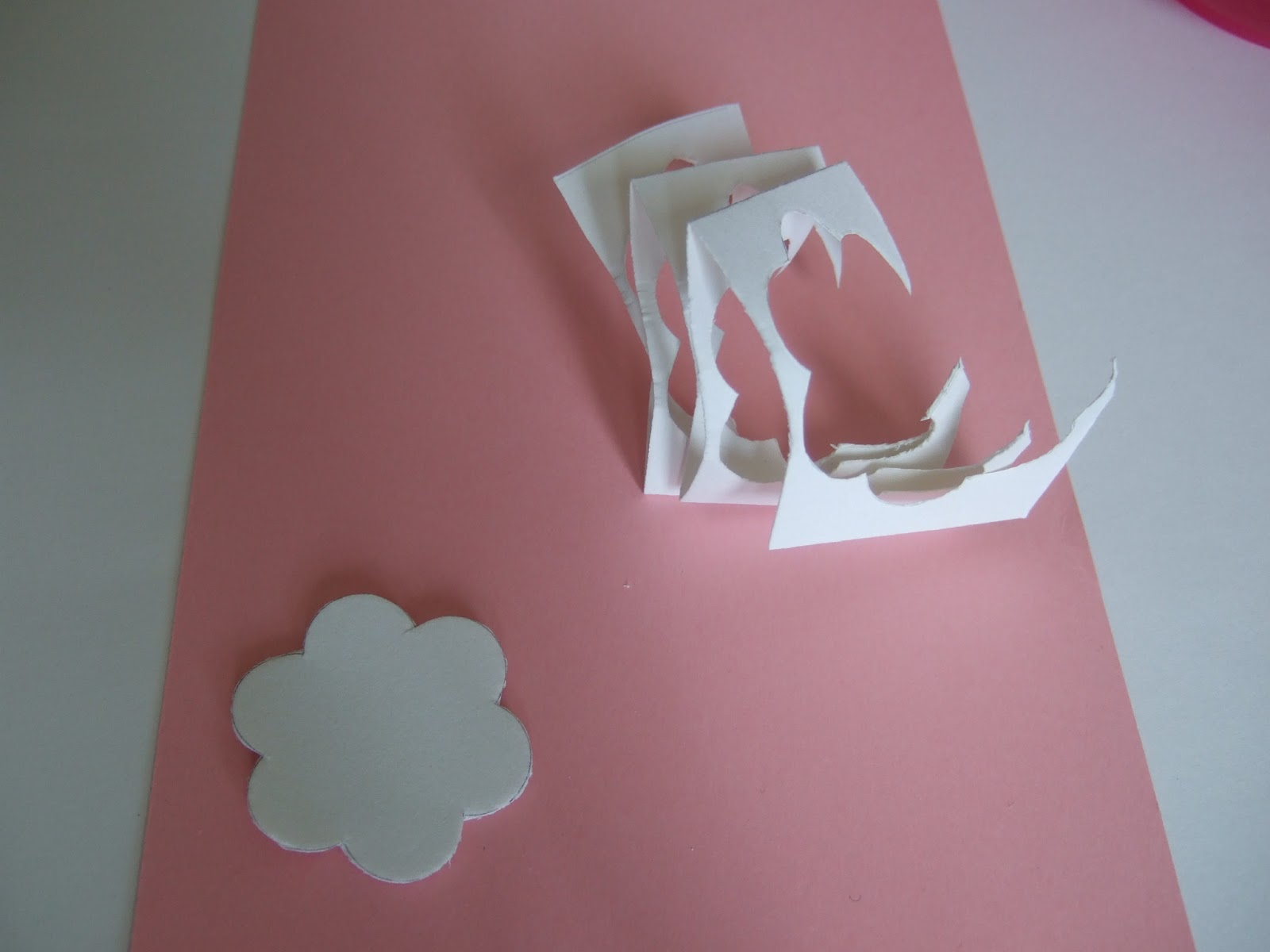 Как сделать розу из бумаги без клея своими руками
