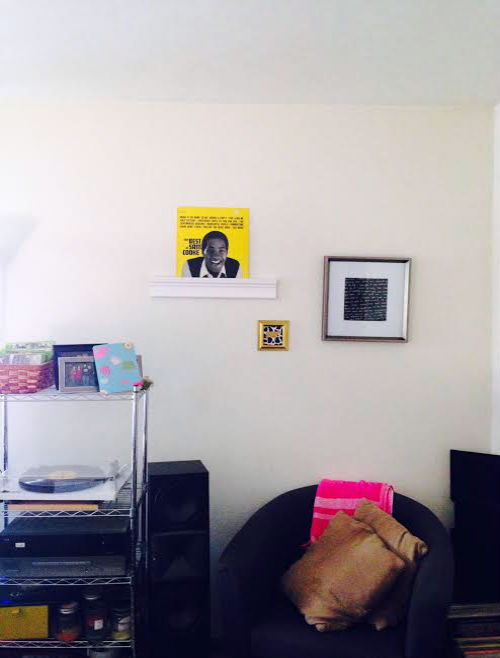 DIY record shelf, easy project, vinyl record display, record player