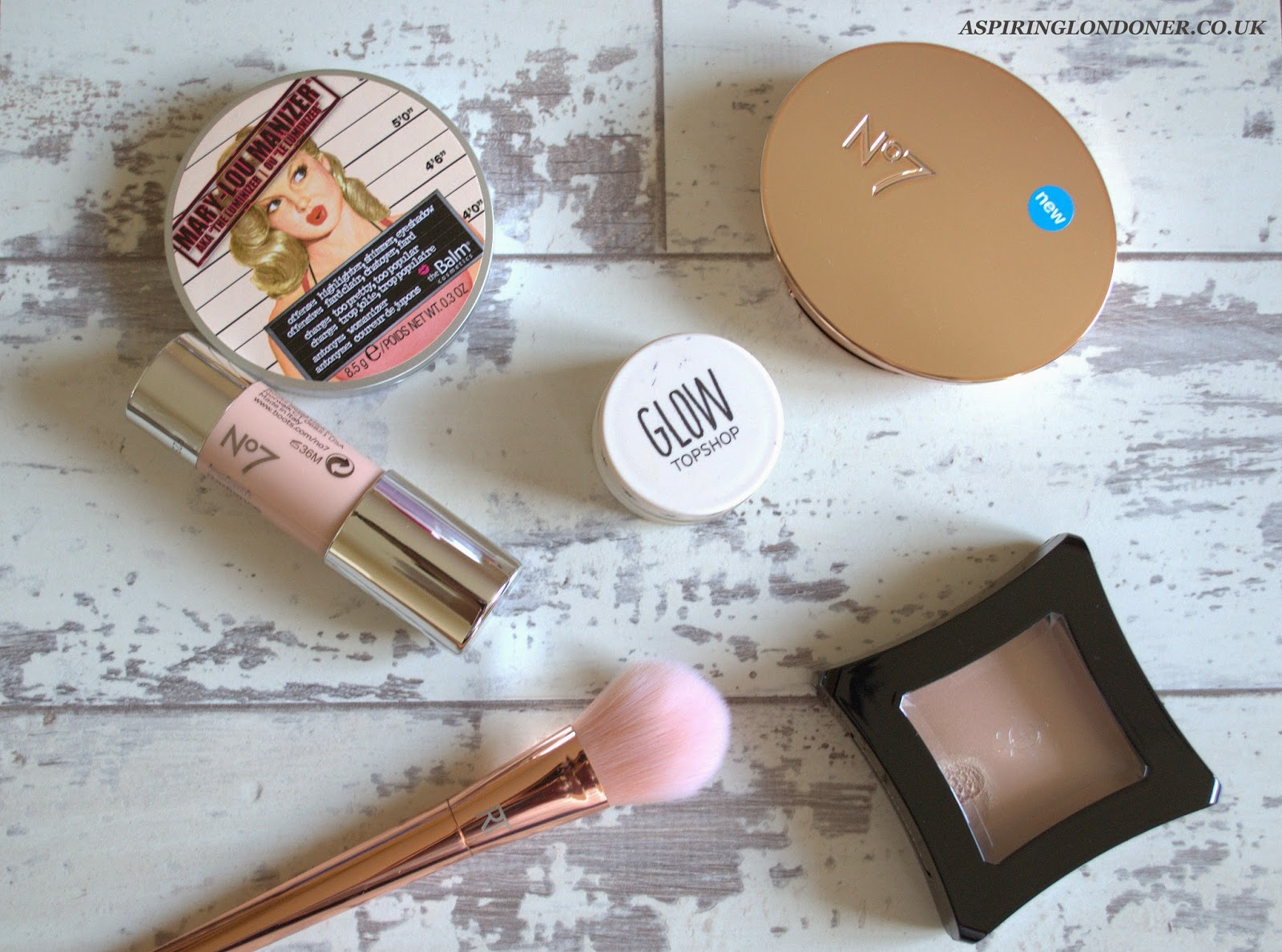 Summer Glow Faking Highlighters You Need - Aspiring Londoner